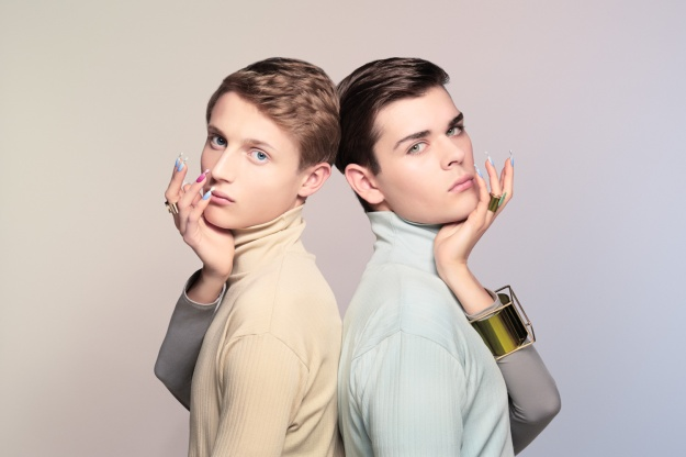 Monica Menez retouched by Recom