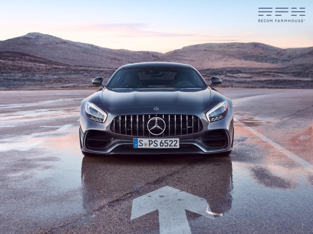 Client: Mercedes Benz Photographer: Tomek Olszowski Post Artists: Aljaž Bezjak , Maria Luisa Calosso, Ulf Cantignon